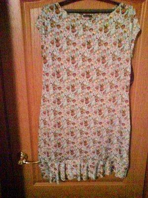 Платье 52 р,вырез лодочка