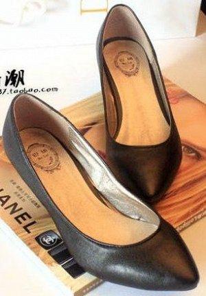 Туфли жен., черные, кабл.рюмочка 4 см,  кожаные, размер 38