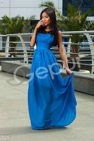 Платье в пол, открытые плечи, гипюровый верх, размер М