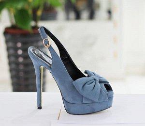 босоножки на каблуке голубые