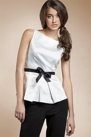 Блуза белая и в пир и в мир