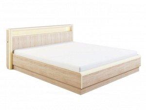 двухспальная кровать с матрасом и наматрасником