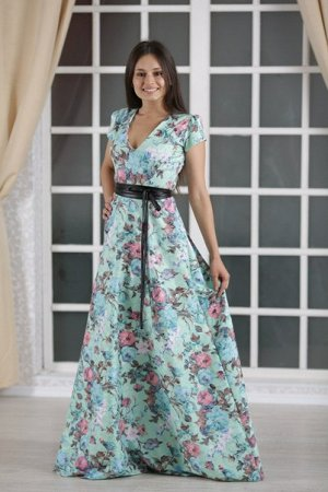 Обалденное платье 50 р-р. Не подошло по размеру
