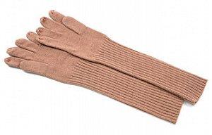 Теплые, удлиненные перчатки.