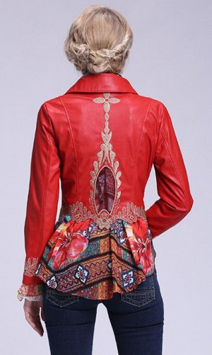 куртка материал: эко-кожа и шифон, на спине вышивка.