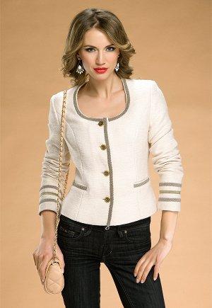Хороший пиджак жемчужного цвета, на ОГ 96-98 см.