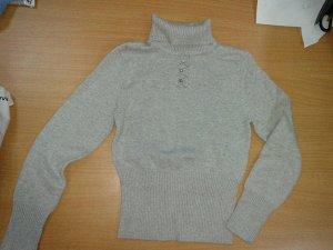 свитер Делорас, 93% хлопок, 7% спандекс.Длина по спинке 41см ,длина рукава 43см.