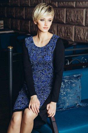 Платье трикотажное с люриксом очень красивое 54-56