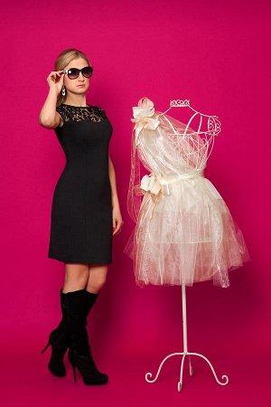 Замечательное маленькое черное платье