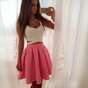 модная розовая юбочка от дизайнера Яна Лукачер