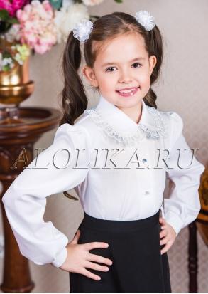Блузка белая .  Для Школы очень хорошо!