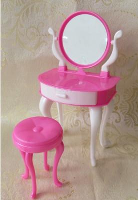 Туалетный столик со стулом