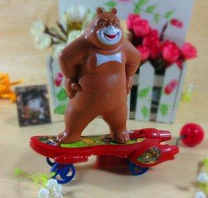 """Инерционная игрушка """"Медведь на скейте"""""""
