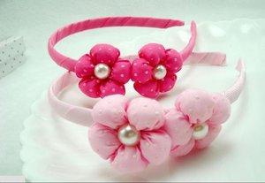 Ободок с мягкими цветочками с жемчужиной