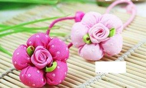 Резинка для волос с мягким цветком