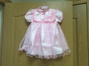 Платье с повязочкой на голову (белое/розовое)
