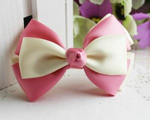 Зажим для волос с тройным бантиком бежево-розовый