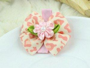 Зажим для волос с двойным бежево-розовым бантиком с узором и цветочком