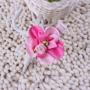 Зажим для волос с розовым двухцветным цветочком