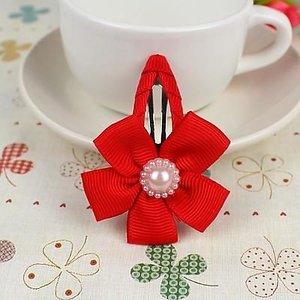 Зажим для волос клик-клак с красным цветком и жемчужиной