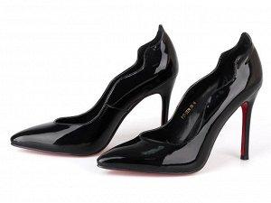 Продам хорошенькие классические туфельки