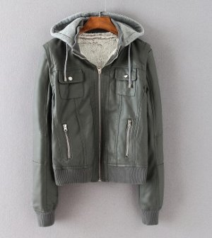 Классная курточка из исскуственной кожи