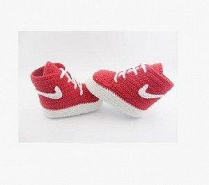 Пинетки-кеды вязаные на шнуровке красные