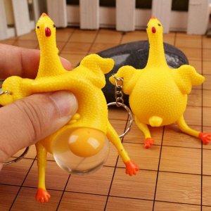 Курица, несущая яйца