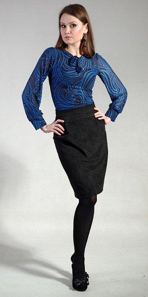Блуза с оригинальным принтом на дюймовочек