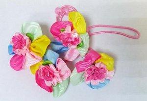 Резинка для волос с разноцветным цветком
