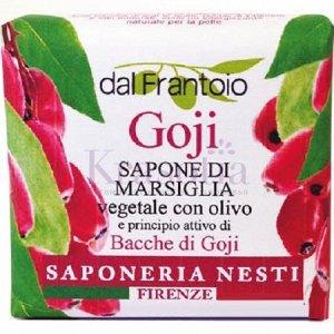 Годжи Кусковое растительное мыло Годжи сварено по старинной «котловой» технологии на основе натуральных экстрактов и природных масел. Благодаря такому максимально естественному составу мыло сохраняет