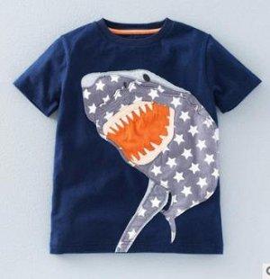 Футболка с акулой темно-синяя