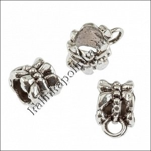 Держатель для кулона (бейл) из ювелирного сплава, для шнура 5мм, цвет античное серебро, р-р 11х8,5х6,5мм, отв 2.5мм.
