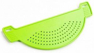 Дуршлаг Дуршлаг на кастрюлю САЛАТНЫЙ. Удобное приспособление из качественного пластика помогает сливать воду из кастрюли без использования отдельного дуршлага. Благодаря продуманному дизайну подходит