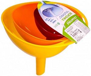 Воронка Воронка 3шт [УЛЬТИМО]. Воронка из пластика – универсальная вещь, которую используют для переливания жидкостей, даже сыпучих предметов. Качественный материал полностью безопасен. Ухаживать за и