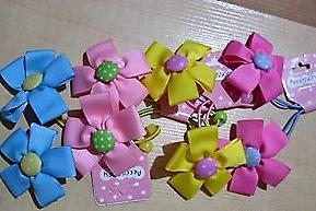 Резинка для волос с цветочком из лент