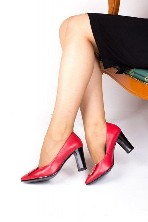 Красные Цвет: насыщенный красный Материал: натуральная кожа Подклад: натуральная кожа