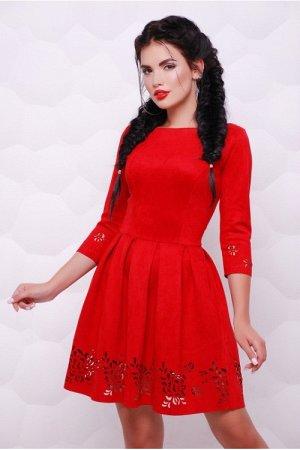 Платье на 44