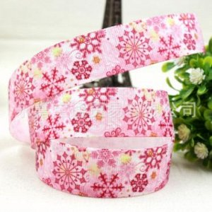 Репсовая лента с розовыми снежинками шириной 2,2 см