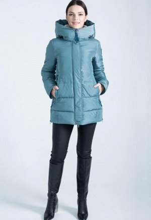 Зимняя куртка , на 48 , цвет хаки