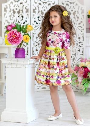 Праздничное платье из атласа с цветочным принтом