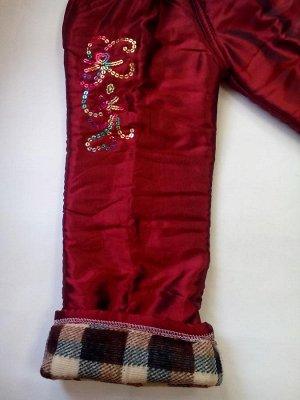 Утепленные брюки с цветочками из пайеток бордовые