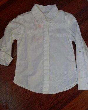 Блузка-рубашка с вышитой бабочкой и регулирующимися рукавами