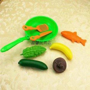 Набор еды со сковородкой