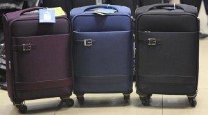 чемодан 24 дюйма (размер 69/41/25см). Солидный качественный чемодан. Множество карманов, 4 колеса, кодовый замок. Материал верха - нейлон. Пользуются популярностью у тех, кто ищет альтернативу тяжелым