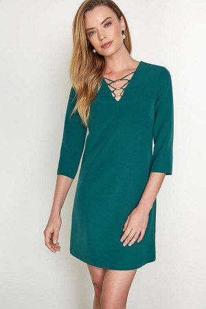 платье красивого цвета, качественное