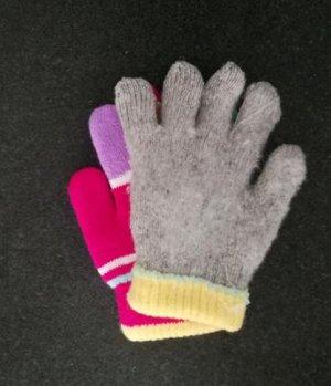 Перчатки Перчатки двойные. Теплые! 3-5 лет.  Длина 14,5см, ширина по ладошке 7,5см.