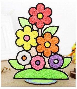 Цветы Размер около около 20*15 см. В наборе деревянная основа для нанесения пластилина  и 8 пакетиков шарикового пластилина.