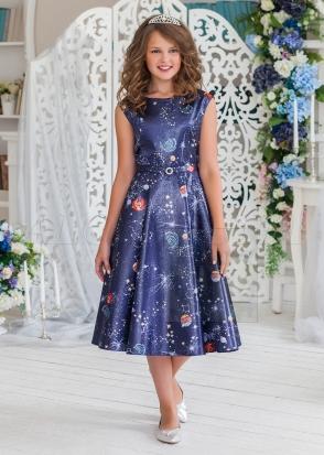 Нарядное платье из атласа с напылением  и космическим принтом длиной миди