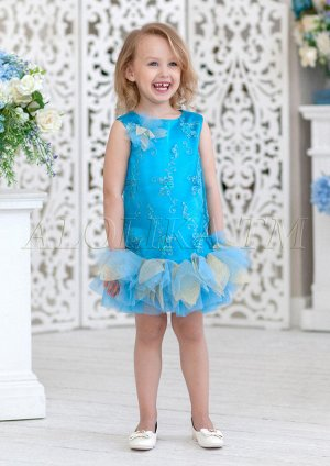 Нарядное платье прямого силуэта из атласа